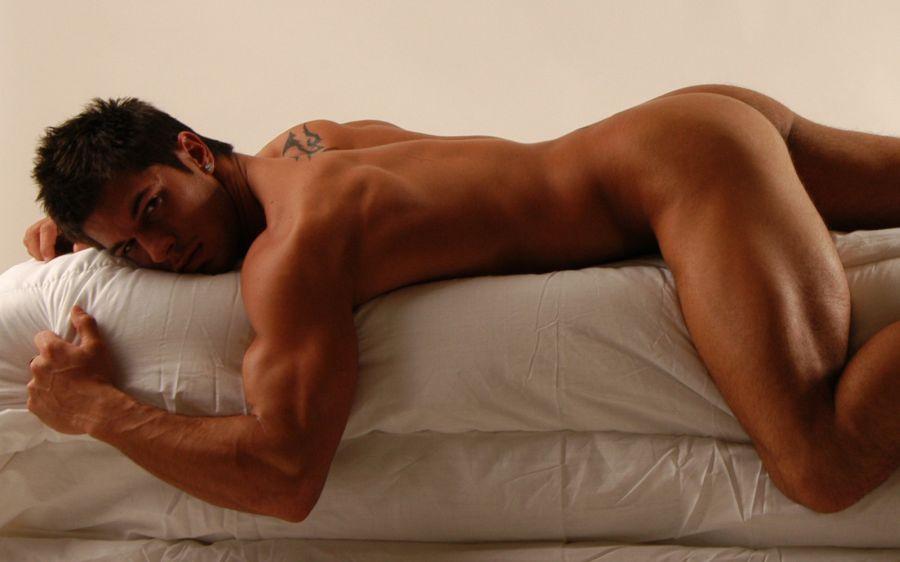 Ryan Lebar Nude 15